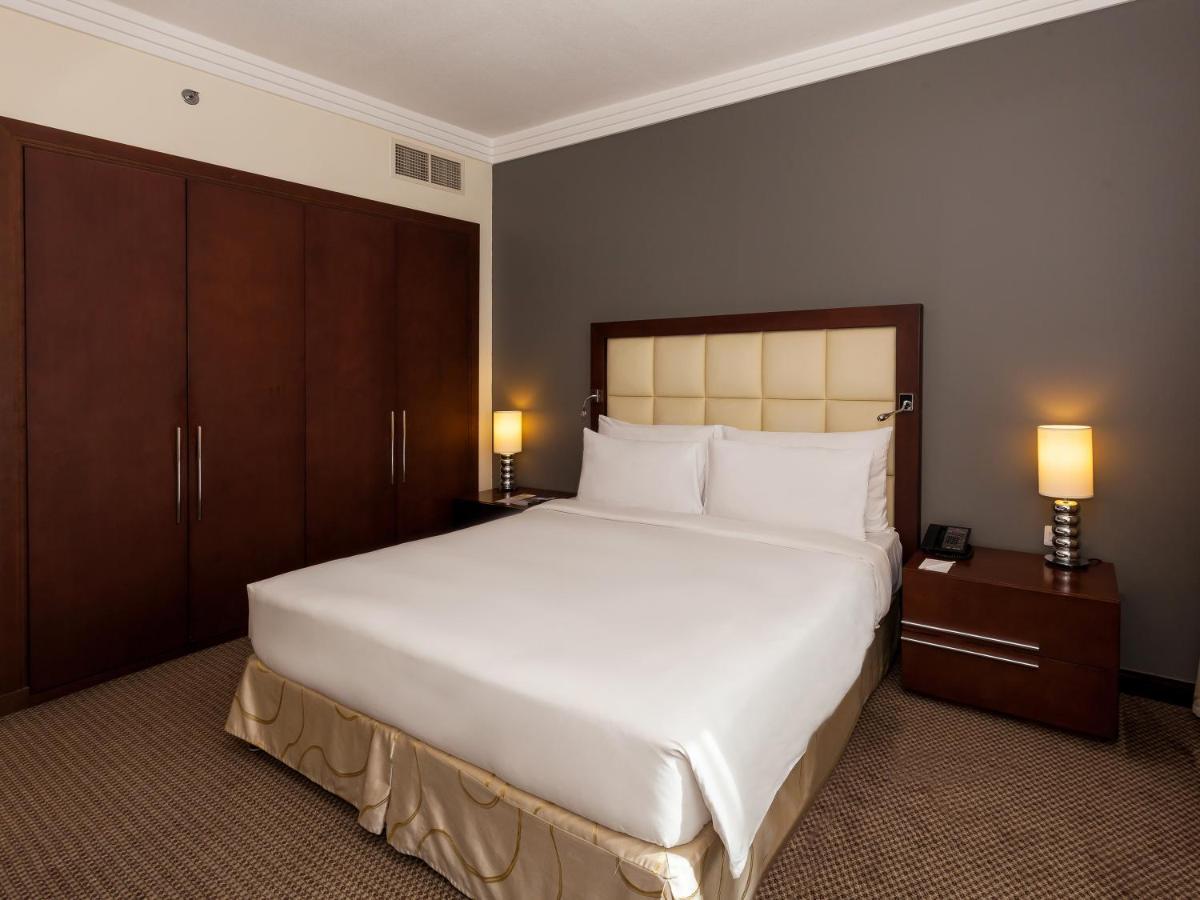 Апарт-отель  Deluxe Hotel Apartments