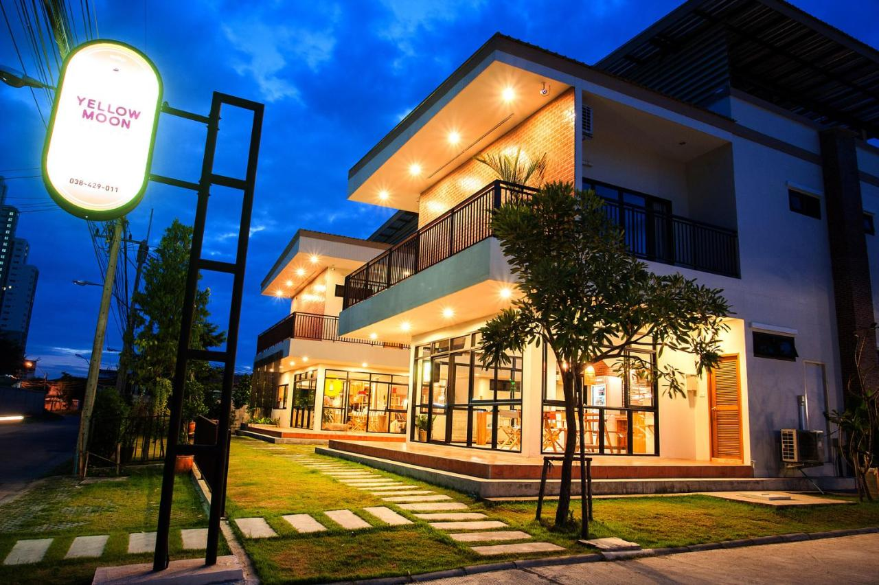 Отель  Yellow Moon Pattaya  - отзывы Booking