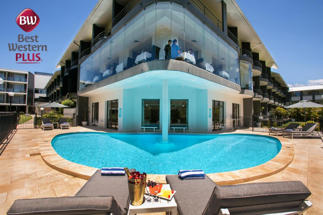 Отель  Best Western Plus Apollo International  - отзывы Booking