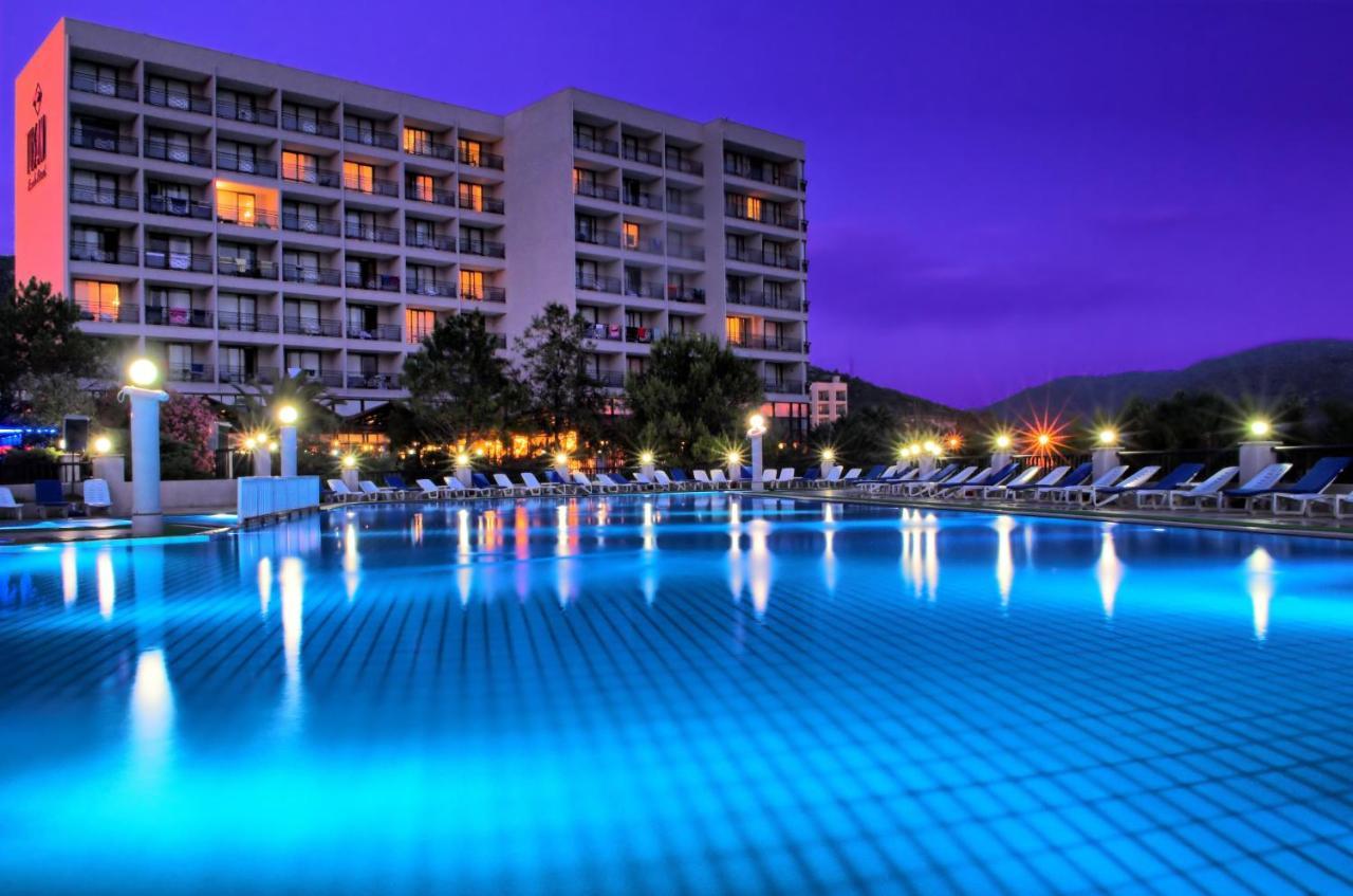 Басейн в Tusan Beach Resort - All Inclusive або поблизу