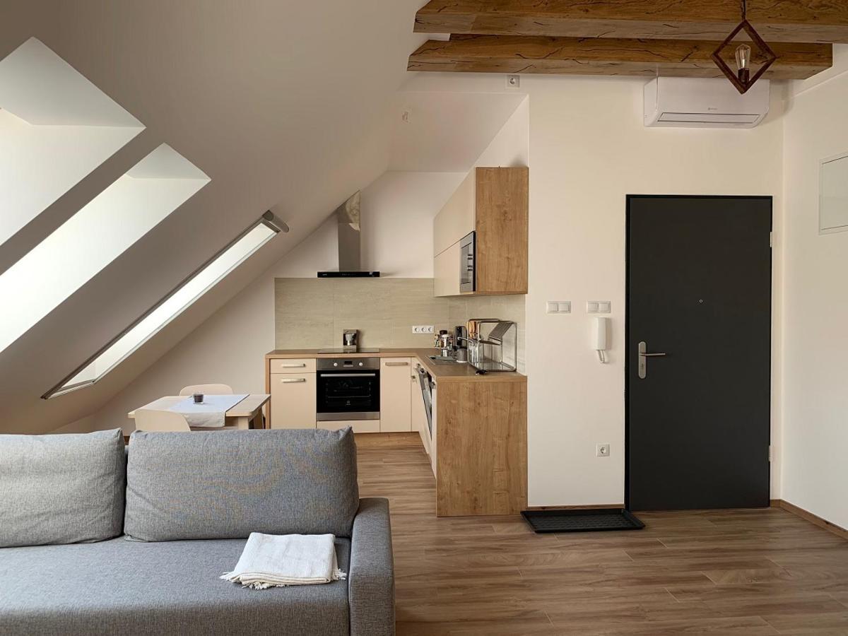 New Design Apartment, Pécs, Hungary - Booking.com