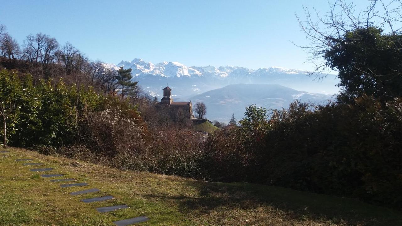 Вилла  Rez de jardin - Calme et nature aux portes de Grenoble  - отзывы Booking