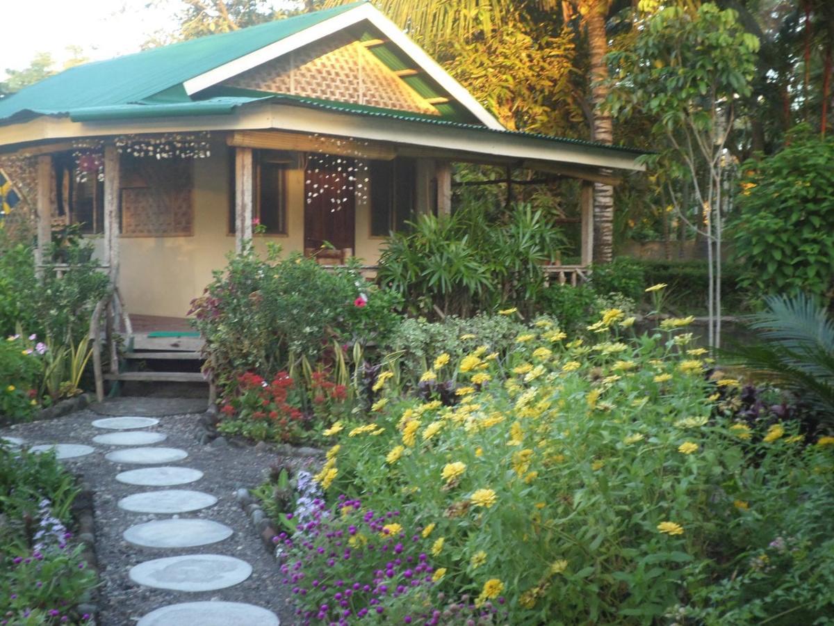 Проживание в семье  Sunrise Pension House Balbagon Camiguin