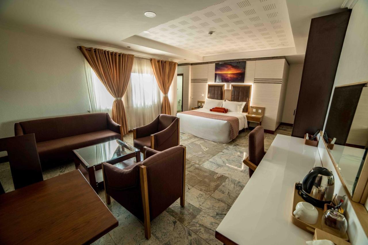Отель  Отель  AlphaPlus Apartment 91