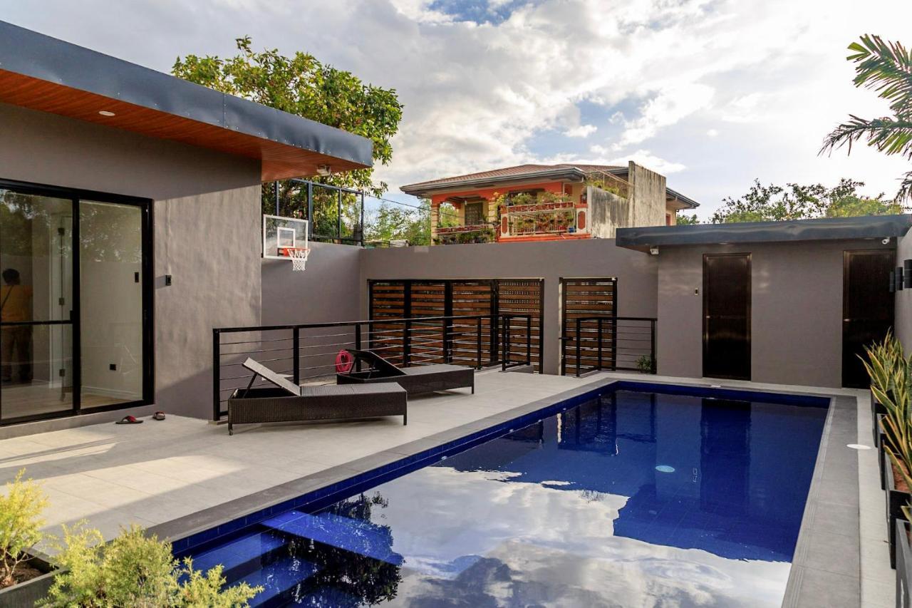 Villa Addie S Place Private Pool Manila Philippines Booking Com