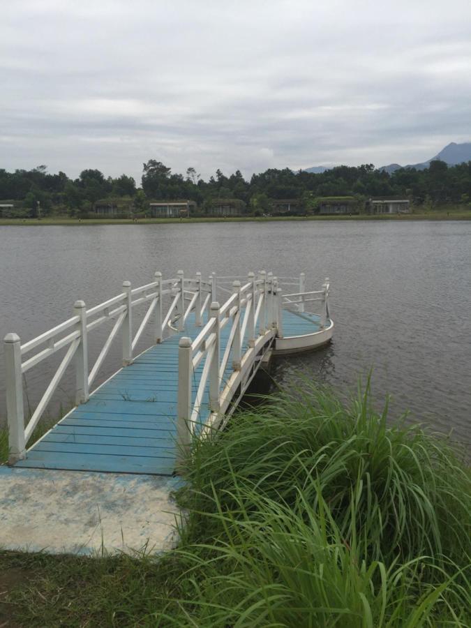 Виллы  Biệt thự ven hồ Lake side Forest  - отзывы Booking