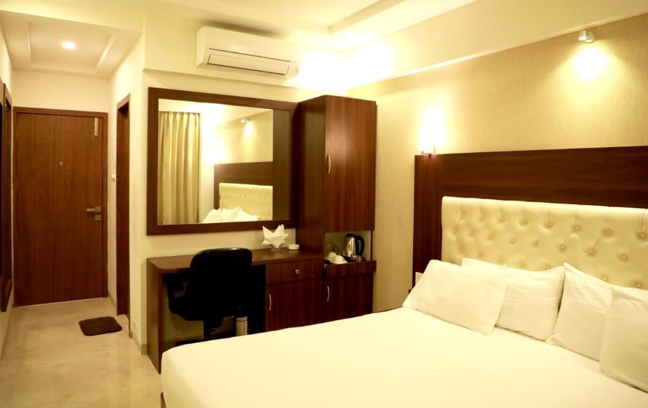 Отель  Hotel Lords, Fort  - отзывы Booking