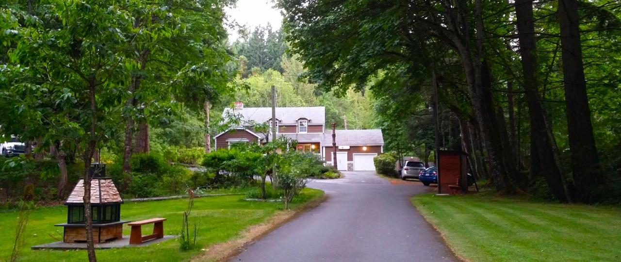 Мотель  Malahat Bungalows Motel
