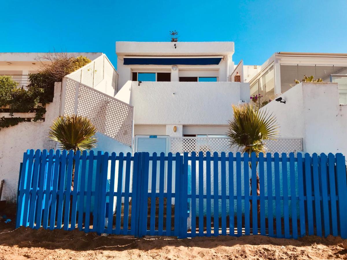 Вилла  Beachouse on the sand / maison de plage front de mer  - отзывы Booking