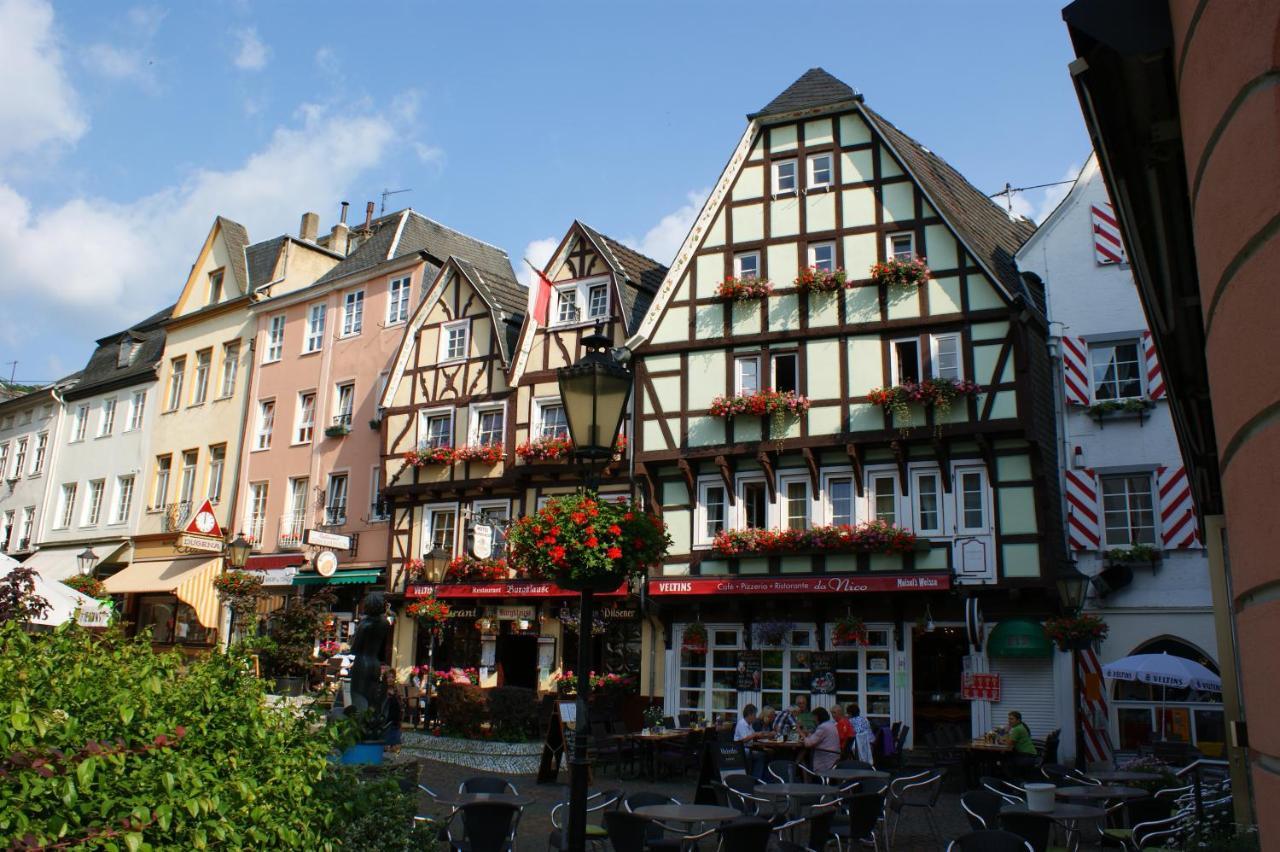 Schlampe aus Linz am Rhein