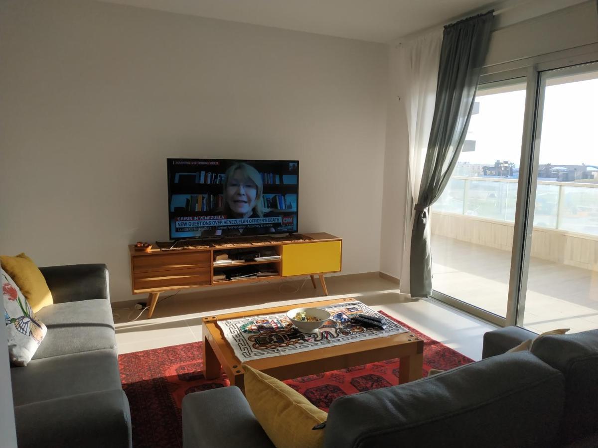 Апартаменты/квартира  עכו דירה חדשה ליד הים- Akko-brand New Apartment