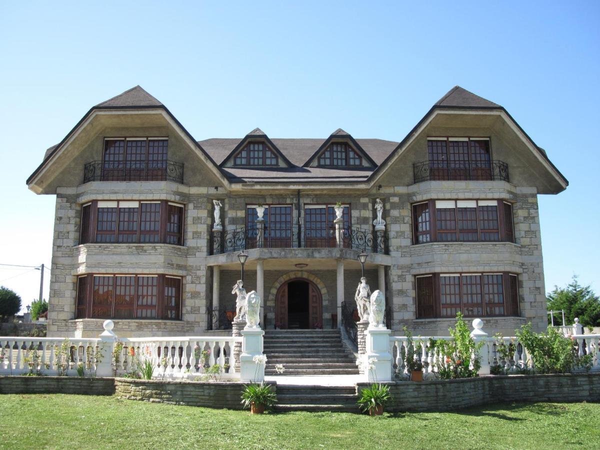 Отель  Hotel Antoyana  - отзывы Booking