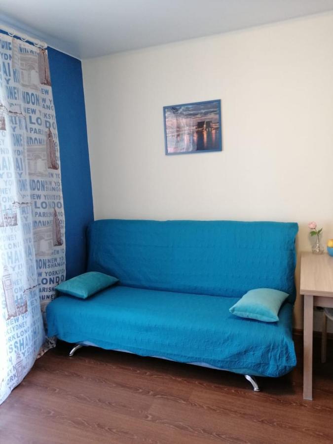 Фото  Апартаменты/квартира Отличная цена! Квартира-студия на набережной Невы.