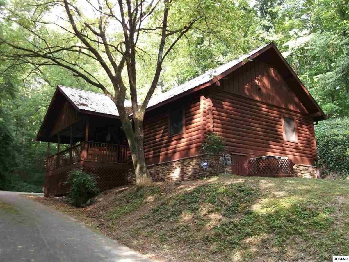 Log Cabin 1mile From The Action Private Lane Hot Tub Pool Table Pigeon Forge Updated 2021 Prices