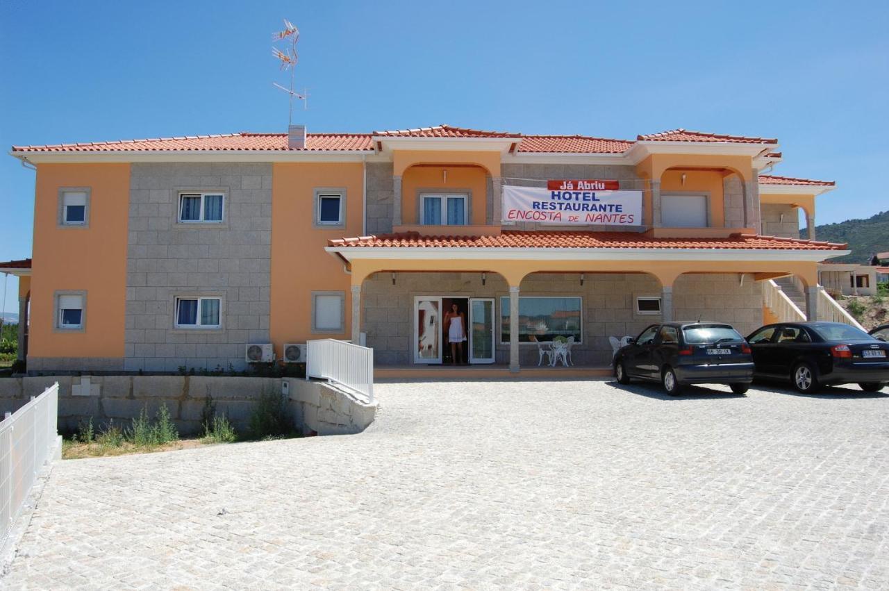 Отель  Hotel Encostas De Nantes  - отзывы Booking