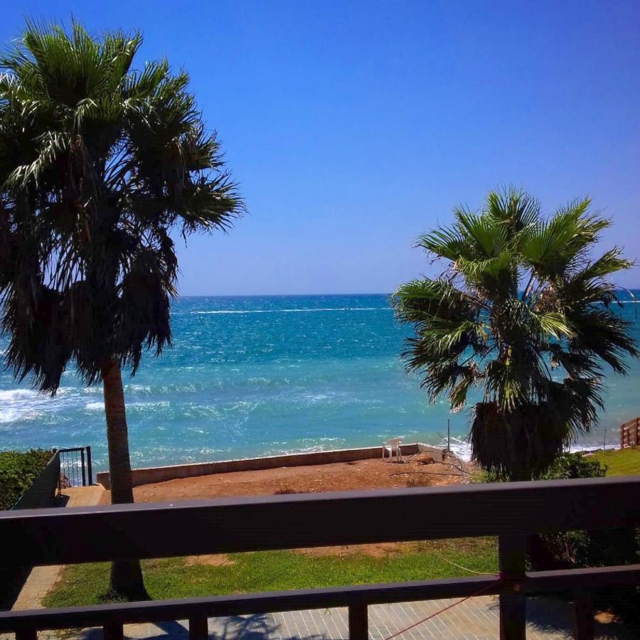 Вилла  Beach Front Villa