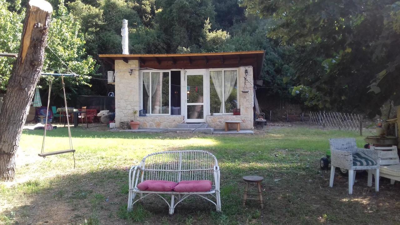 Дом для отпуска  ROMANCE STONE COZY ON THE BEACH Σκιώνη Παραθεριστική κατοικία