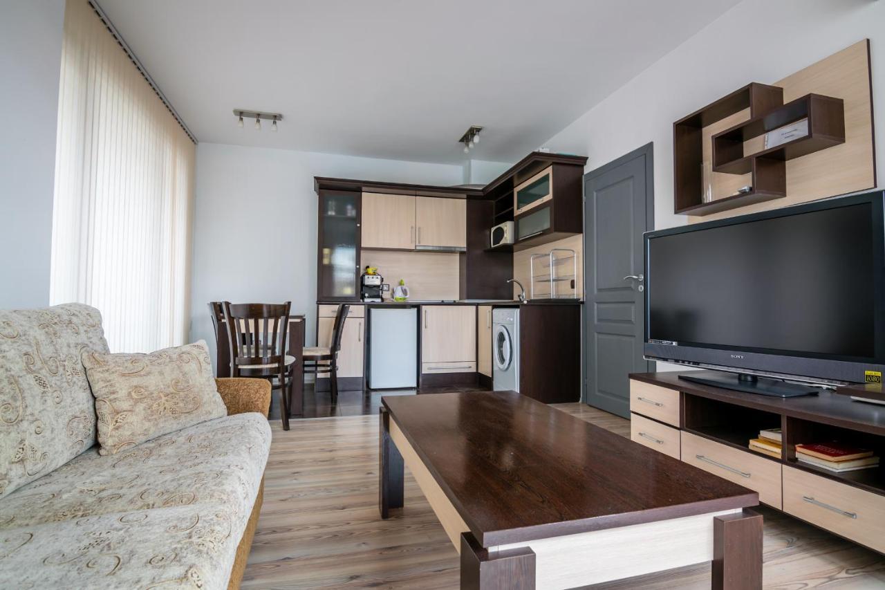 Апартаменты/квартира  Cozy One-bedroom Apartment In Night Breeze