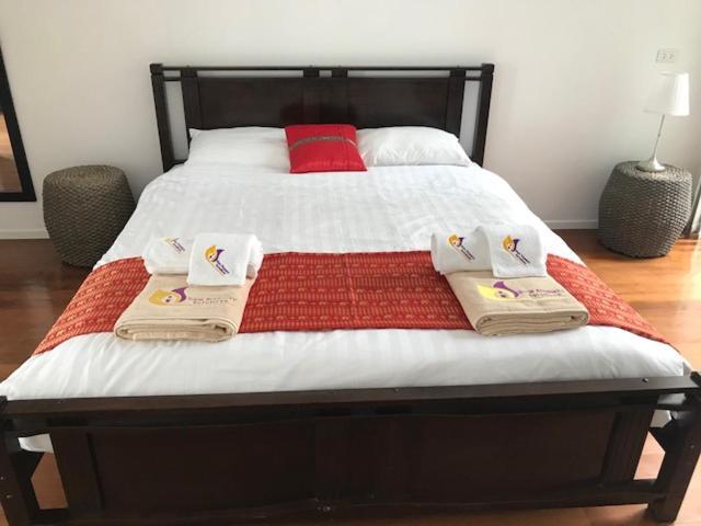 Апартаменты/квартира  Modern Private 3 Bed Townhouse - Kamala Mews