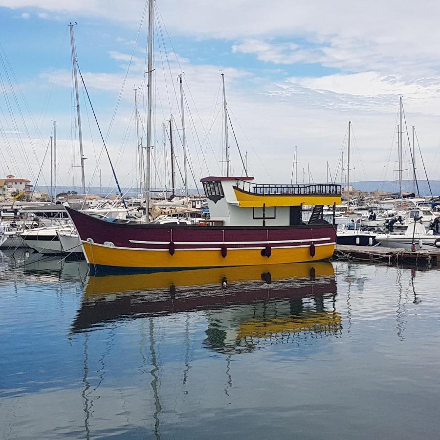 Ботель  Pillirina House-boat  - отзывы Booking