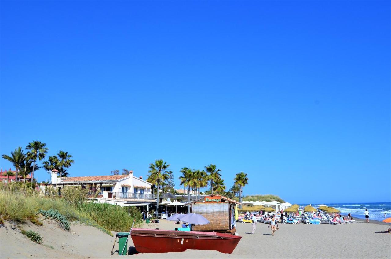 playa de marbella me levo mi silla