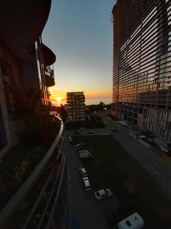 Апартаменты/квартира  Apartment On Khimshiashvili 9A