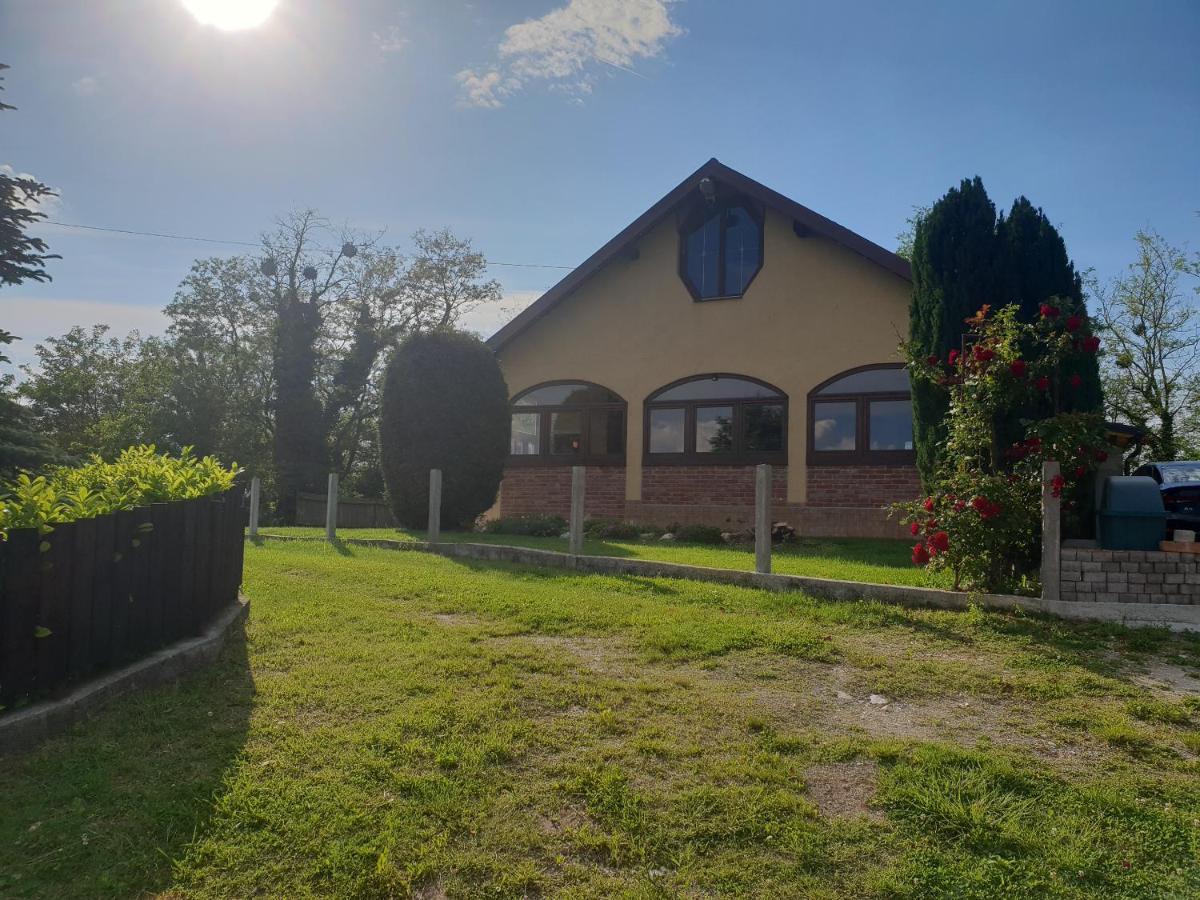 Апартаменты/квартира  Ruralna Kuća Za Odmor Golub