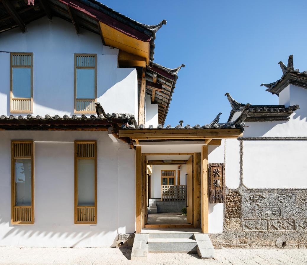 Отель  Lijiang Muqian Hotel  - отзывы Booking