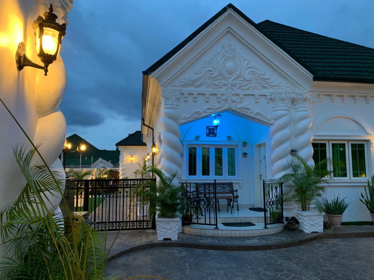 Apartment Reifs Court Abuja Nigeria Booking Com