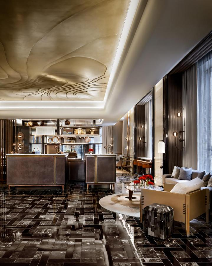 Отель  The St. Regis Toronto