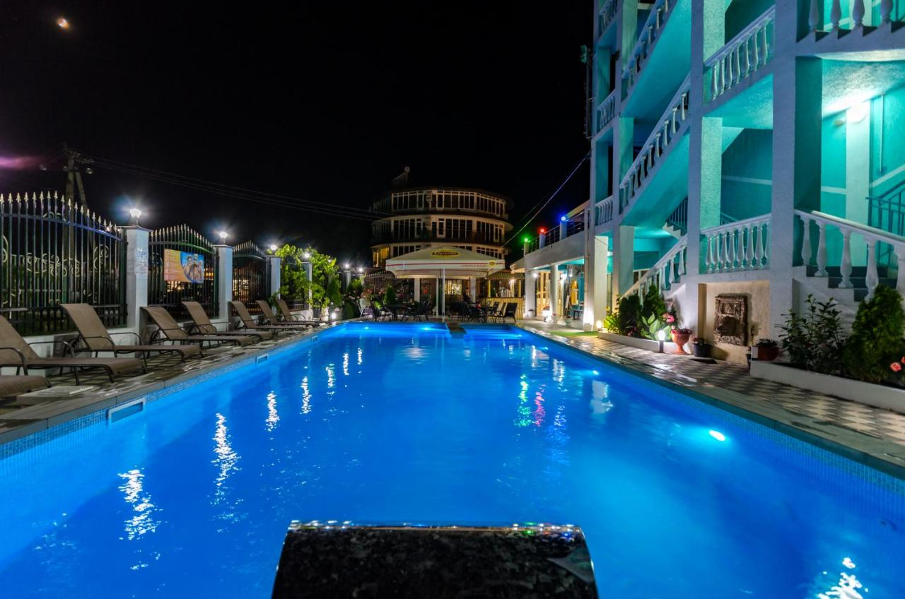 Отель  Гостиница Дубок  - отзывы Booking