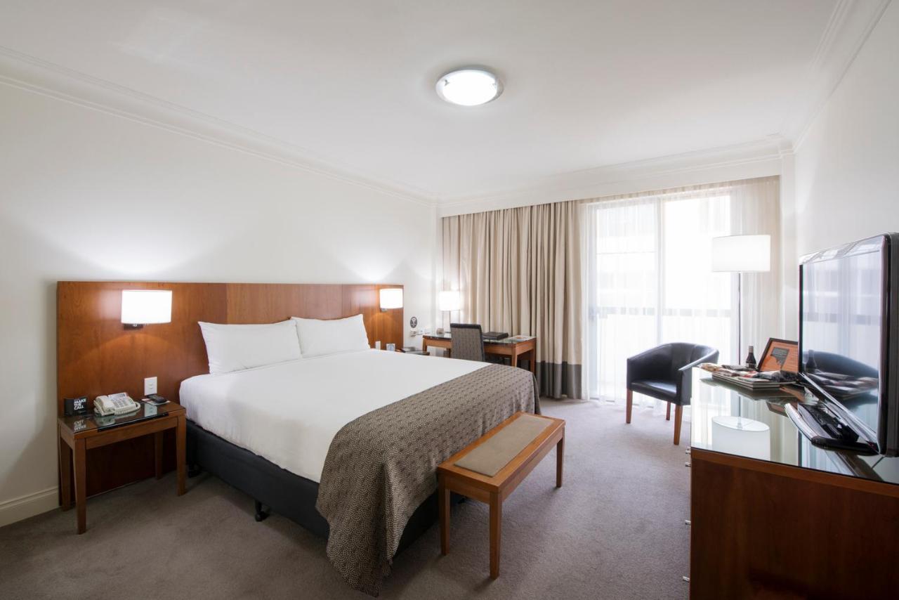 Отель Отель Majestic Roof Garden Hotel