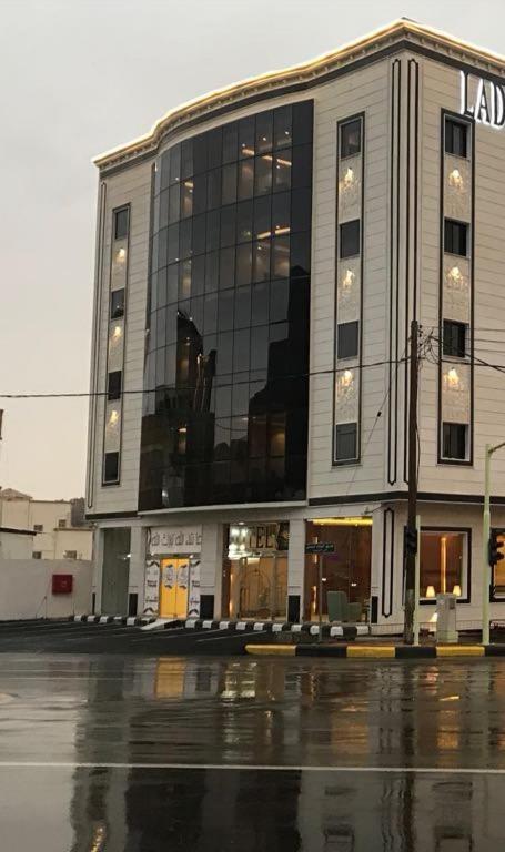 Отель  Ladera Hotel Tanomah  - отзывы Booking