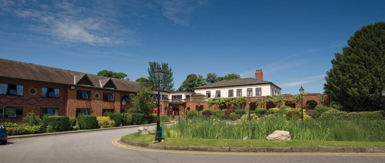 Отель  Bredbury Hall Hotel