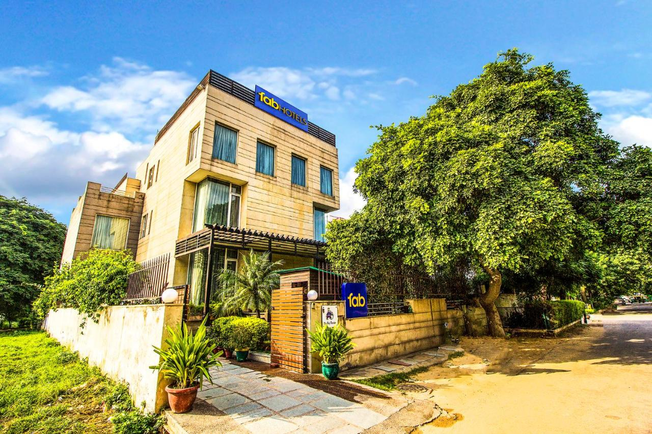 Отель  FabHotel Raj Darbar Iffco  - отзывы Booking