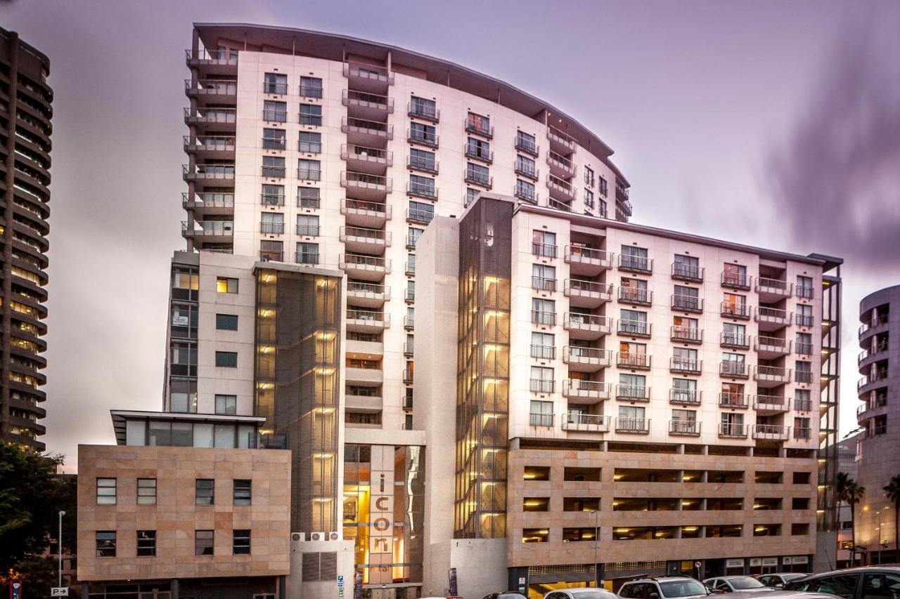 Апарт-отель  Icon Luxury Apartments