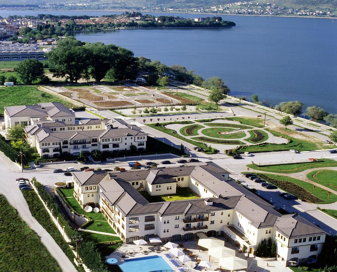 Отель  Отель  Hotel Du Lac Congress Center & Spa