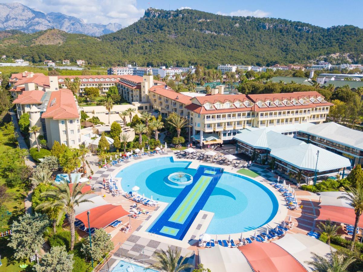 Курортный отель  Queen's Park Le Jardin