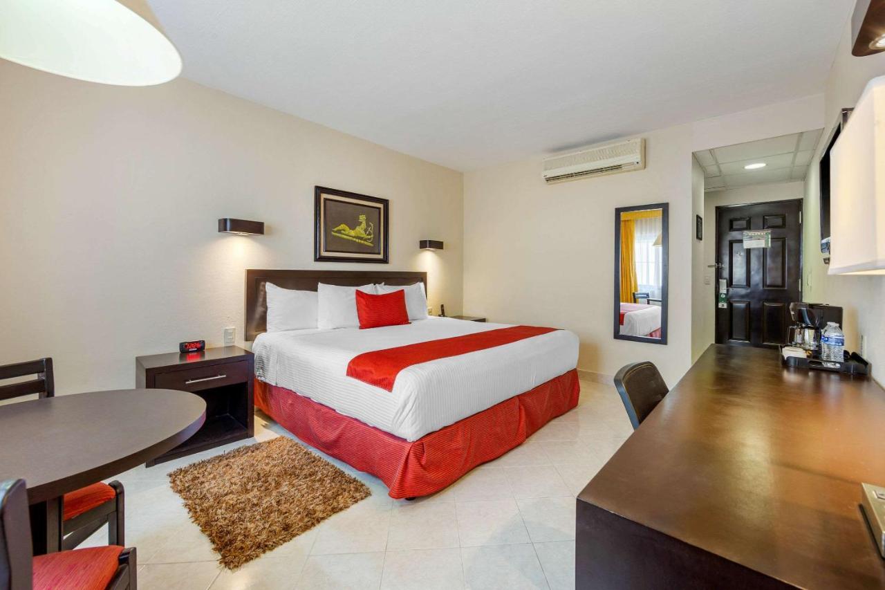 Отель  Quality Inn Tuxtla Gutierrez  - отзывы Booking
