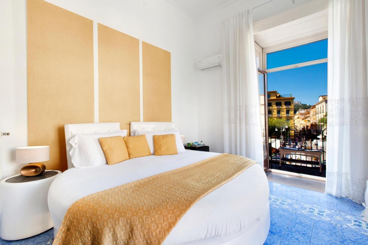 Отель типа «постель и завтрак»  Piazza Tasso B&B Relais  - отзывы Booking