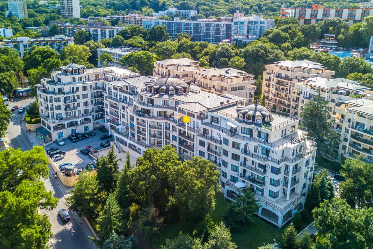 Апартаменты/квартира  Front Beach Designer Apartment Golden Sands  - отзывы Booking
