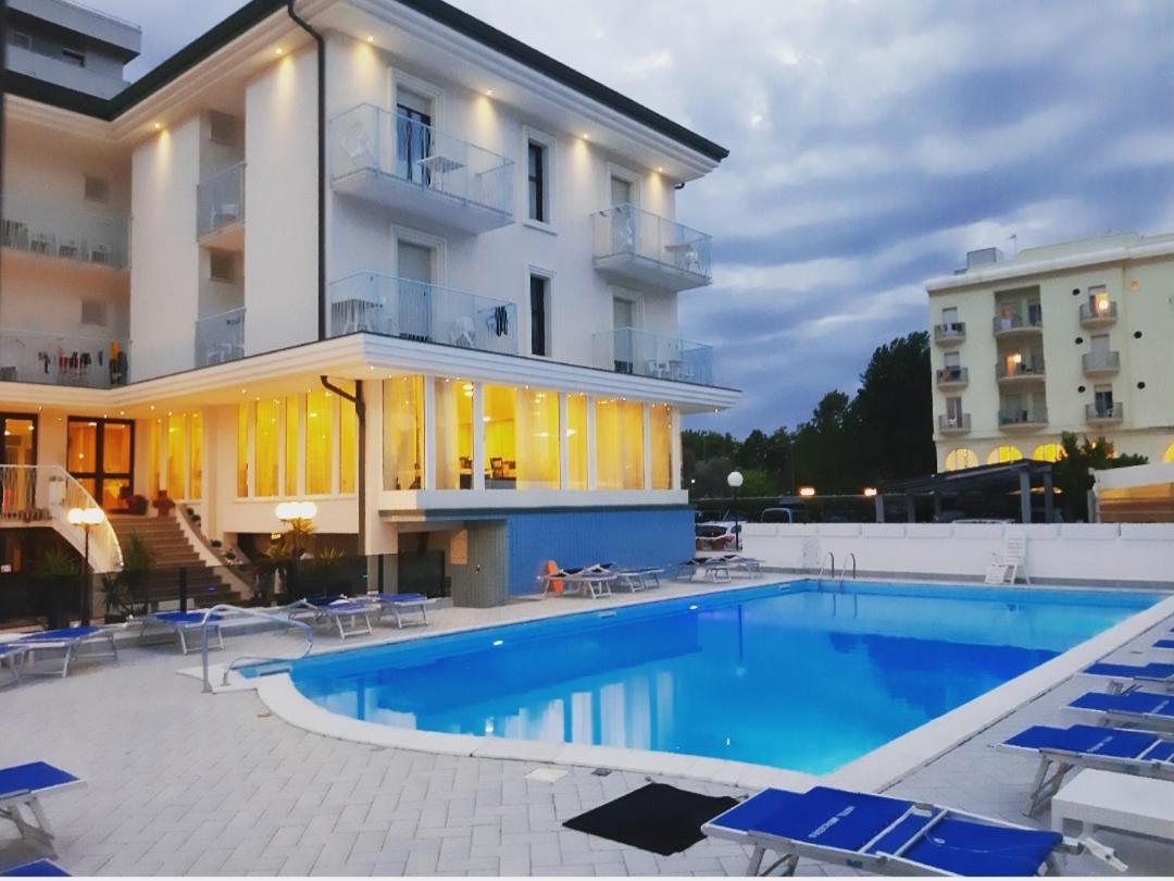 Hotel Mercedes Italia Misano Adriatico Booking Com