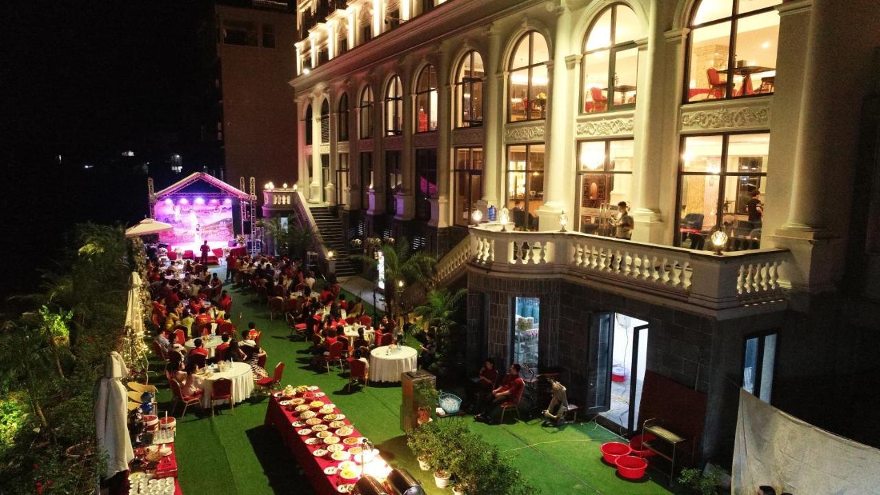 Отель  Phoenix Hotel