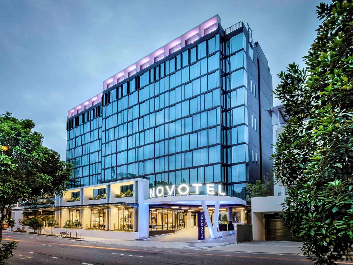 Отель  Отель  Novotel Brisbane South Bank