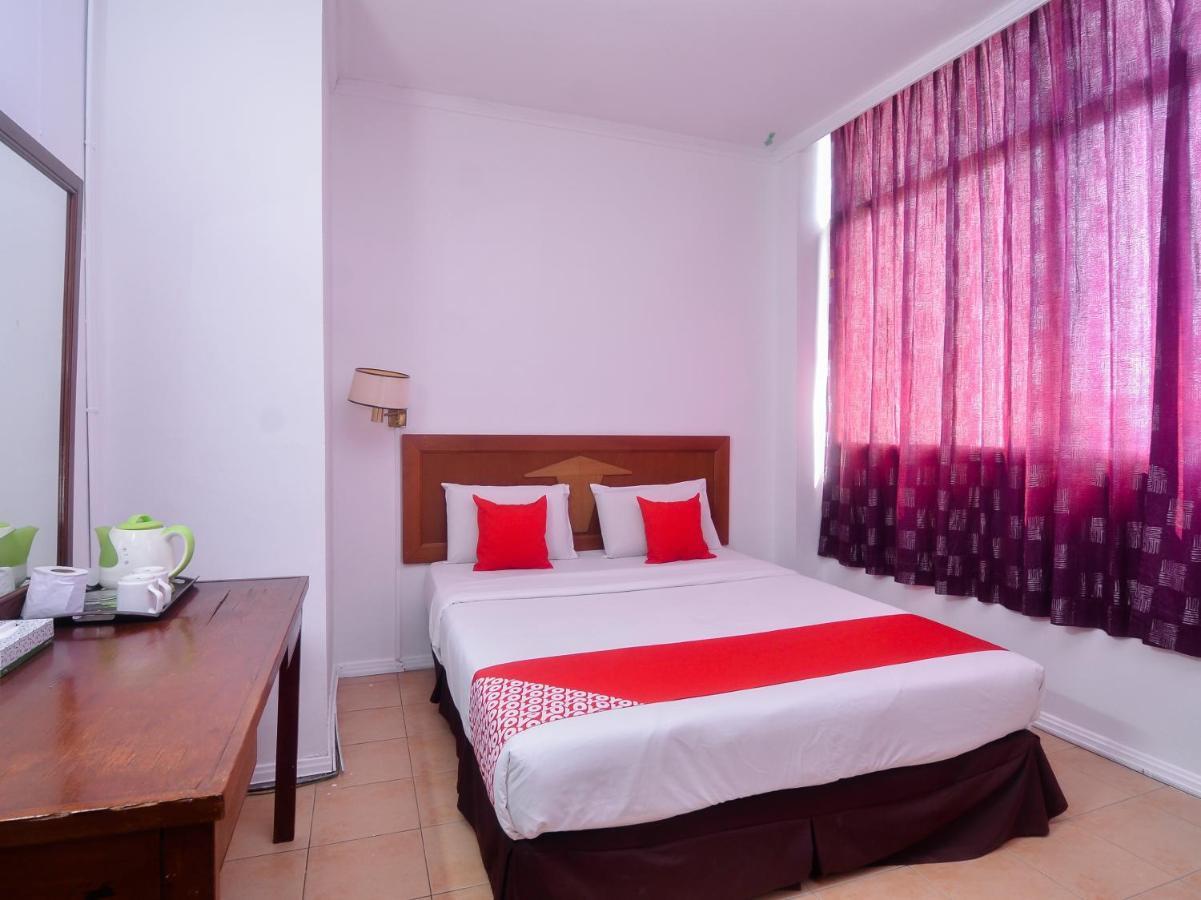 Отель Отель OYO 11342 Liwah Hotel