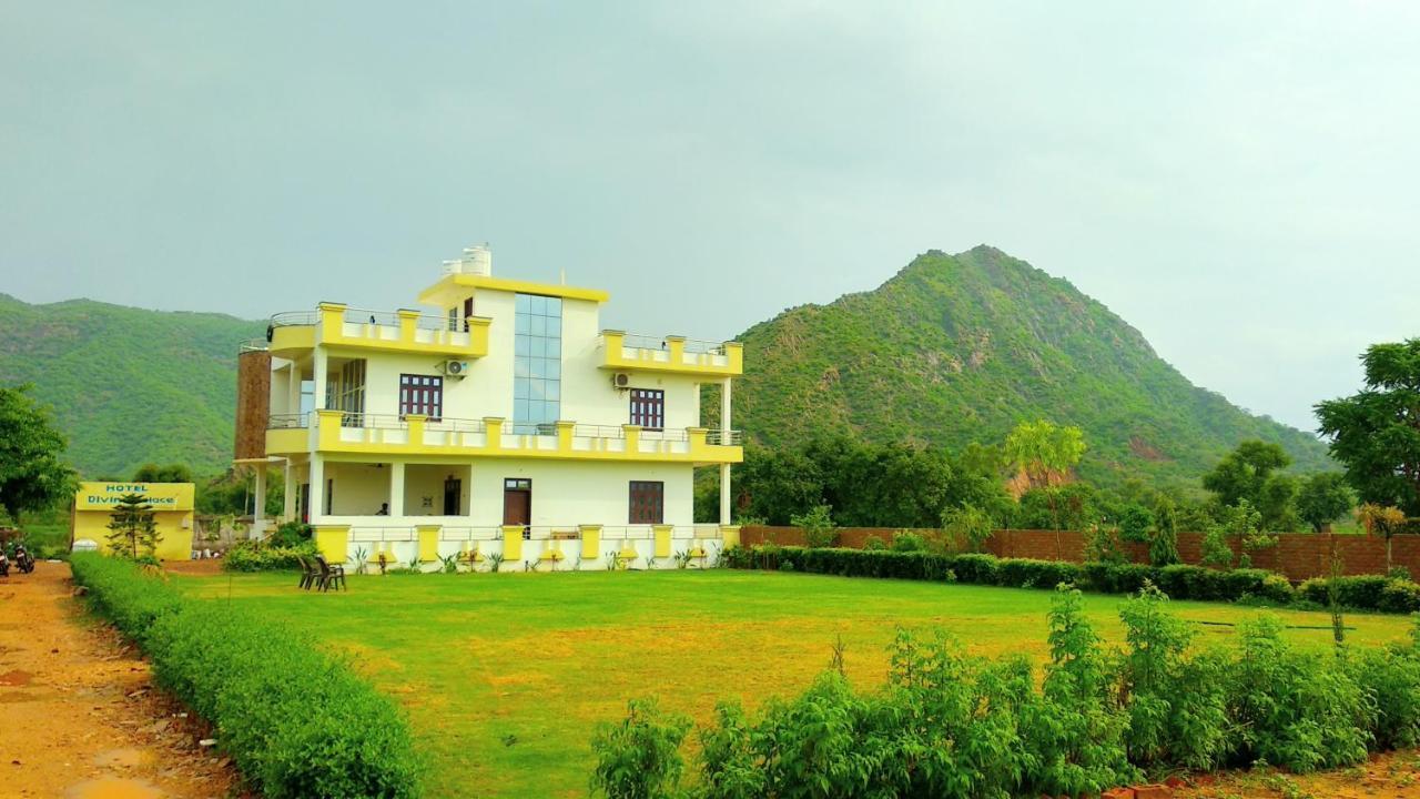 Отель  Hotel Divine Palace Pushkar  - отзывы Booking