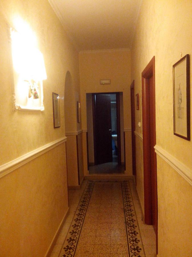 Отель типа «постель и завтрак»  La Dea Di Roma  - отзывы Booking