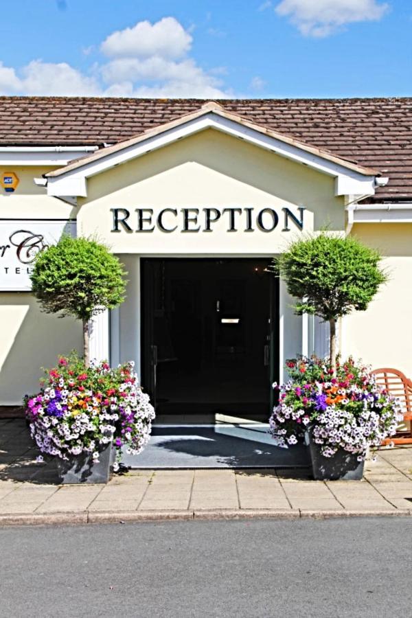 Фото Отель Exeter Court Hotel