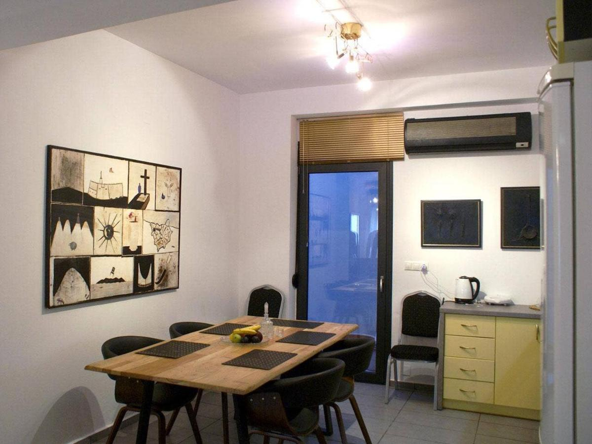 Апартаменты/квартира  City center Art Boutique apartment  - отзывы Booking