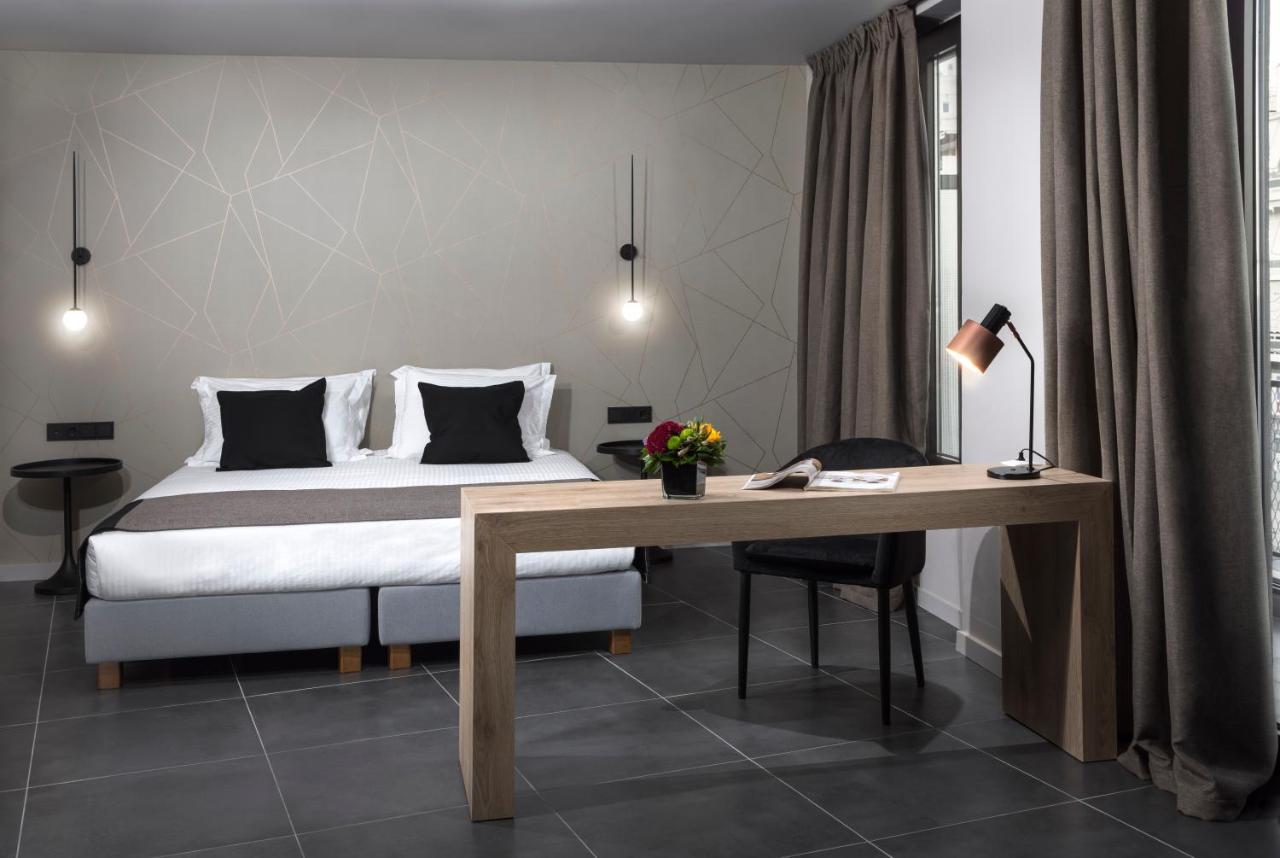 Апарт-отель  Azur Suites